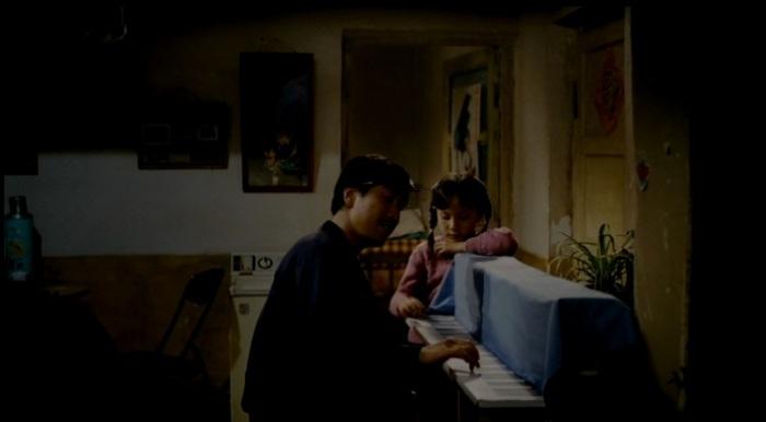 a paperboard piano, Qianyuan Wang and Xingyu Liu